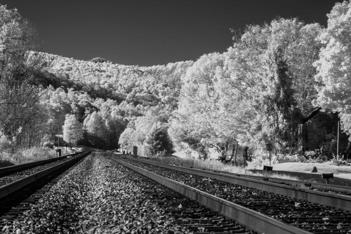 Binhammerphotographs Infrared rail road tracks