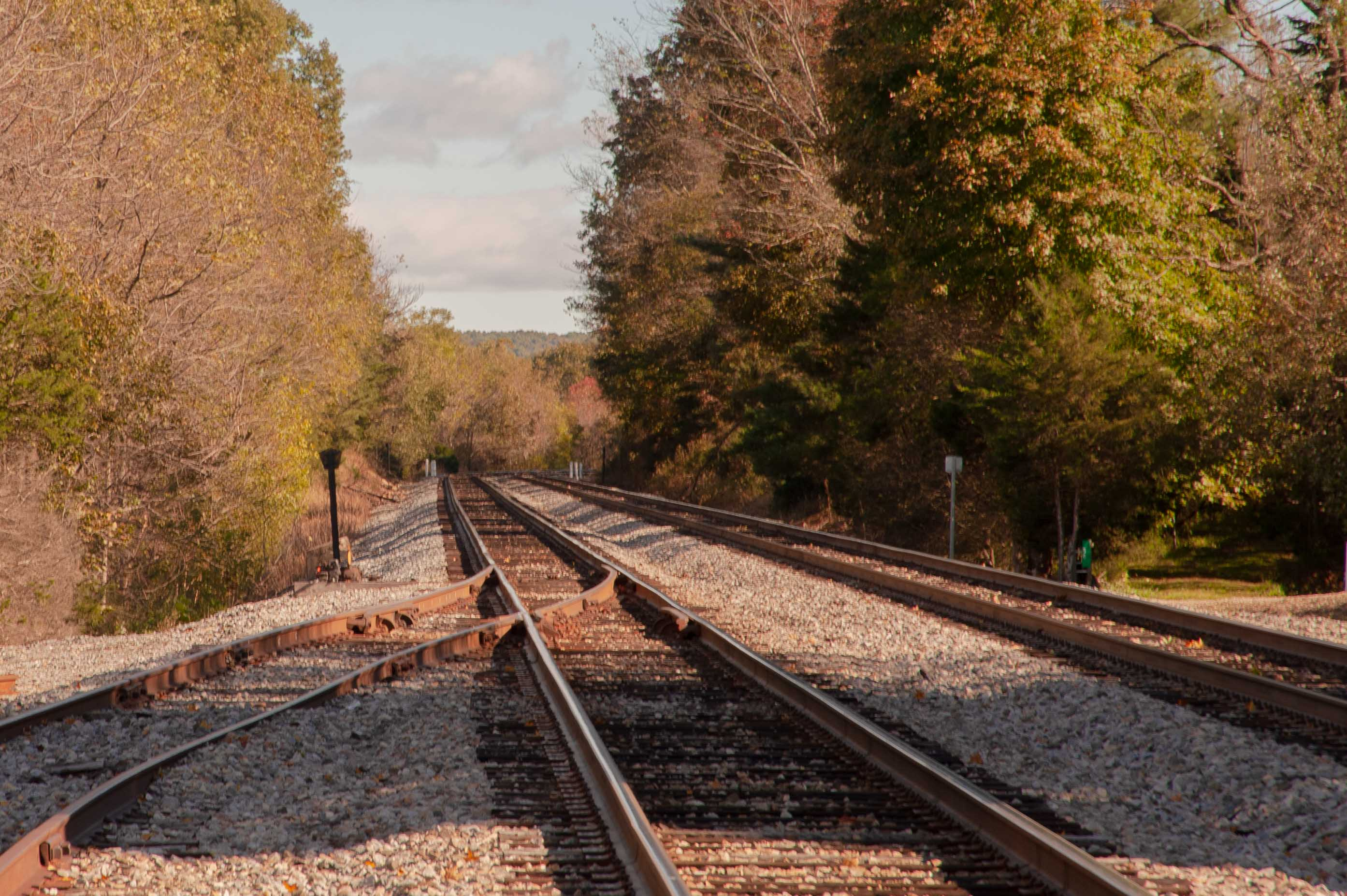 Binhammerphotographs railroad tracks into the mountain